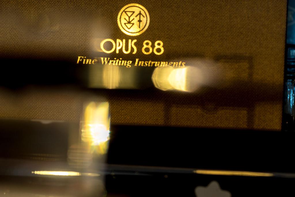 Opus88, Koloro